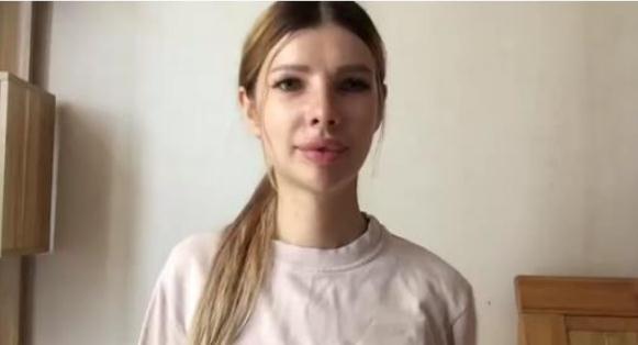 俄罗斯外教elena,本科翻译专业,2年教学经验